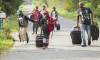 AS memulai operasi sapu bersih kaum migran yang tidak punya cukup surat-surat keterangan pribadi