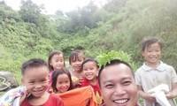 """Arsitek Pham Dinh Quy – """"Guru kehormatan"""" di daerah pegunungan"""