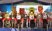 Deputi PM Vietnam, Truong Hoa Binh menghadiri acara peresmian Pabrik listrik tenaga surya Fujiwara