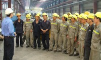 Vietnam dengan upaya melaksanakan standar-standar kerja internasional