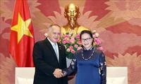 Memperdalam lebih lanjut lagi hubungan persahabatan dan kerjasama Vietnam – Venezuela