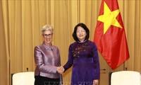 Wapres Dang Thi Ngoc Thinh menerima Gubernur Negara Bagian Victoria (Australia), Linda Marion Dessau