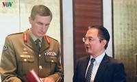 Memperkenalkan Buku Putih Pertahanan Vietnam Tahun 2019 di Australia
