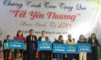 Negara Vietnam Memperhatikan dan Memikirkan Kehidupan Rakyat pada Hari Raya Tet
