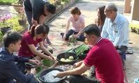 Keluarga diaspora Vietnam di Laos menyambut Hari Raya Tet tradisional Vietnam