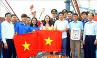 Pemberangkatan pasukan Bulan Pemuda dengan banyak kegiatan yang praksis