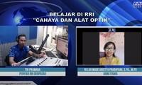 "Kelas ""on air"" yang dilakukan Radio Republik Indonesia pada masa Covid-19"