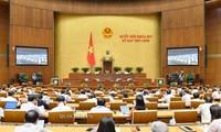 MN Vietnam angkatan XIV mengesahkan beberapa Resolusi,dan Undang-Undang.