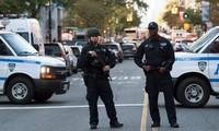 Serentetan tembakan terjadi pada Hari Nasional AS sehingga menimbulkan banyak korban
