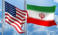 Presiden Donald Trump menyatakan akan secara sepihak mengenakan kembali sanksi terhadap Iran