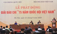 """Mencanangkan Penghargaan Pers """"75 tahun Majelis Nasional Vietnam"""""""