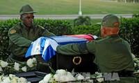 Fidel Castro's ashes begin journey across Cuba