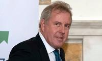 British ambassador to US resigns after Trump criticism