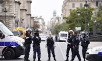 Paris knife attacker has signs of radicalization: Prosecutor