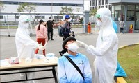 Hai Duong hastens testing, disinfectant spraying