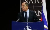 НАТО и Россия договорились стремиться к установлению стратегических отношений