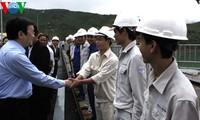 Президент СРВ Чыонг Тан Шанг посетил переселенцев в провинции Куангнам