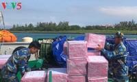 Вся страна помогает военнослужащим и жителям островного уезда Чыонгша готовиться к Тэту