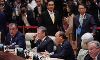 Нгуен Суан Фук выступил на круглом столе форума высокого уроня «Один пояс, один путь»