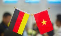 Руководители Вьетнама поздравили германских коллег с Днём германского единства