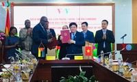 Радио «Голос Вьетнама» и Радио Мозамбика активизируют сотрудничество