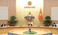 Нгуен Суан Фук: Необходимо строго наказывать нарушителей режима социальной изоляции
