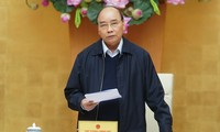 Премьер-министр Вьетнама потребовал продолжить борьбу с коронавирусом в новой обстановке