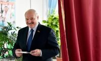 Путин и Си Цзиньпин поздравили Лукашенко с победой на выборах