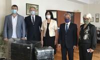 Сотрудники посольства Вьетнама в Украине посетили школу им. Хо Ши Мина