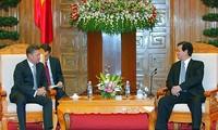 Việt Nam ủng hộ các hoạt động hợp tác giữa Tập đoàn Dầu khí Quốc gia Việt Nam và Tập đoàn Gazprom
