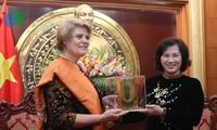 Phó Chủ tịch Quốc hội Nguyễn Thị Kim Ngân nhận giải thưởng nhân đạo của UNICEF
