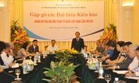 Gặp gỡ kiều bào về dự Đại hội đại biểu toàn quốc Mặt trận Tổ quốc Việt Nam