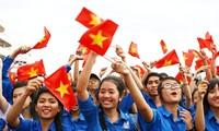 Tôn vinh 10 gương mặt trẻ Thủ đô tiêu biểu năm 2014