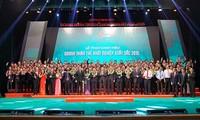 """100 doanh nhân được trao danh hiệu """"Doanh nhân trẻ xuất sắc trong khởi nghiệp"""""""