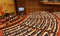 Quốc hội thảo luận các vấn đề về kinh tế - xã hội