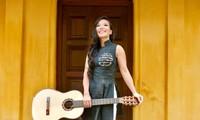 Nghệ sĩ ghi-ta Lê Thu: Tiếng đàn giúp tôi mang hình ảnh Việt Nam ra thế giới