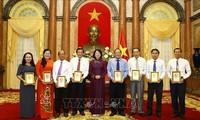 Phó Chủ tịch nước tiếp đại biểu tiêu biểu trong học tập tư tưởng, đạo đức, phong cách Hồ Chí Minh tỉnh Vĩnh Long