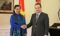 Phó Chủ tịch Thường trực Quốc hội Tòng Thị Phóng gặp Phó Thủ tướng thứ nhất Serbia và dự bế mạc Đại hội đồng IPU-141