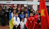 Đại sứ quán Việt Nam tại Ucraina tham dự Hội chợ từ thiện 2019
