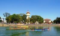 Sôi nổi Lễ hội đua thuyền truyền thống trên sông Cà Ty