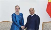 Thủ tướng Nguyễn Xuân Phúc tiếp Đại sứ Thụy Điển và Đại sứ Pháp