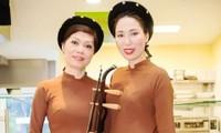 Biểu diễn trang phục truyền thống Việt Nam và Tiếng hát quê hương tại CHLB Đức