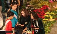 Áo dài và vẻ đẹp của người phụ nữ Việt Nam ở nước ngoài