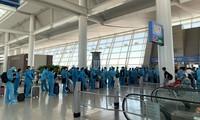 Hơn 310 công dân Việt Nam từ Hàn Quốc về nước an toàn