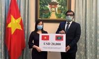 Trao quà của Chính phủ Việt Nam tặng Chính phủ và nhân dân Maldives phòng chống đại dịch Covid-19