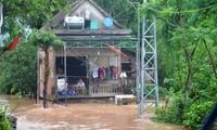 Trung bộ và Tây Nguyên: mưa lũ làm 4 người thiệt mạng, 7 người mất tích do mưa lũ