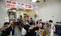 Hà Nội: Từ 0 giờ ngày 2/3, các nhà hàng kinh doanh dịch vụ ăn uống phục vụ trong nhà mở cửa hoạt động trở lại