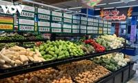 Chuẩn bị đầy đủ hàng hóa thiết yếu cho người dân vùng giãn các xã hội