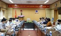 """Việt Nam """"đi đúng hướng"""" trong việc áp dụng các biện pháp phòng, chống dịch"""