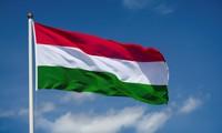 Chủ tịch nước gửi điện mừng Quốc khánh Hunggari